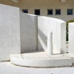 Monumento-Ottaviano-occhipinti-e-corallo-pietra-di-modica