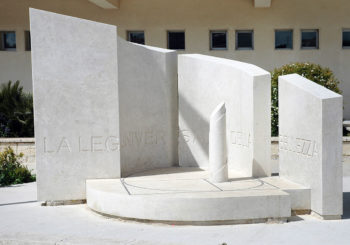 Monumento in onore di Carmelo Ottaviano